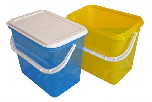 Ведро-контейнер 14 л с крышкой (прямоугольное)